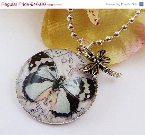 Elegante Bettelkette mit Schmetterling in silber von Schmucktruhe, €15.12