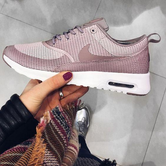 Nike air max thea plum fog purple smoke white for Schuhschrank lady