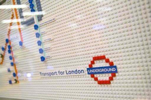 La mappa della metro di Londra con i lego