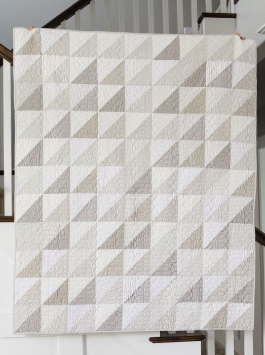 Modern gray and white neutrals quilt - Diary of a Quilter - a quilt blog