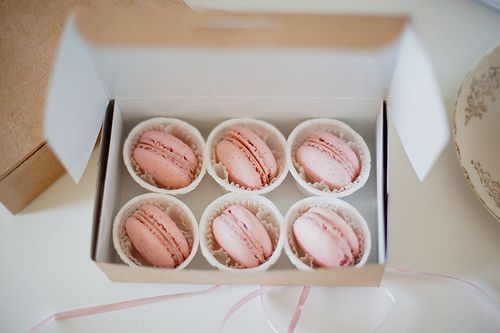 macarons, pink macarons