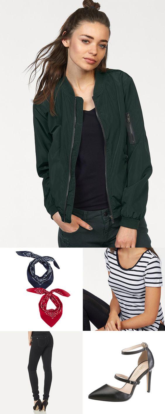 Cool, unkompliziert und robust – Besonders in der Übergangszeit lassen uns trendige Bomberjacken gut dastehen. Die dunkelgrüne Version von Only sieht zum figurbetonten AJC Longshirt und den Arizona High-Waist-Jeans feminin aus. Die Buffalo Pumps sorgen zusätzlich dafür, dass der Look nicht zu hart wirkt.