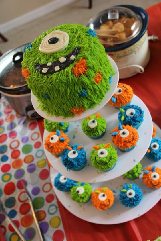 Evans First Birthday Monster Smash Cake and Cupcakes!