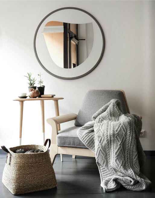Absolutely inspired by the cable knitted throw. Now, I must go out and purchase lots of yarn and knit furiously like an old Romanian Grandma!(desire to inspire - desiretoinspire.net - Llamas' valley: