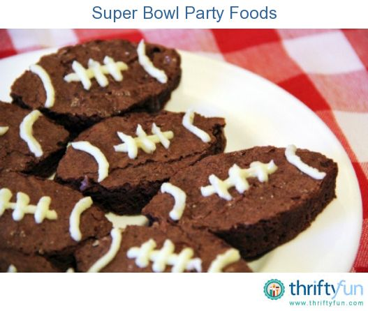 This guide is about super bowl party foods. Foods that are easy to manage in your lap are a hit for a TV football game party.