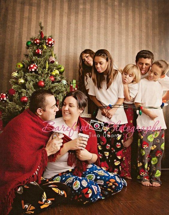 Family Christmas Photo Adorable Idea