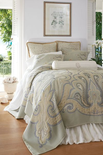 A beautiful swirling motif takes inspiration from traditional Turkish textiles. Our Ankara Tapestry Coverlet beautifully compliments our Ankara bedding collection.