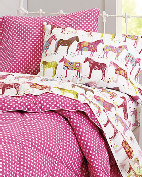 The cutest bedding for horse obsessed niece.