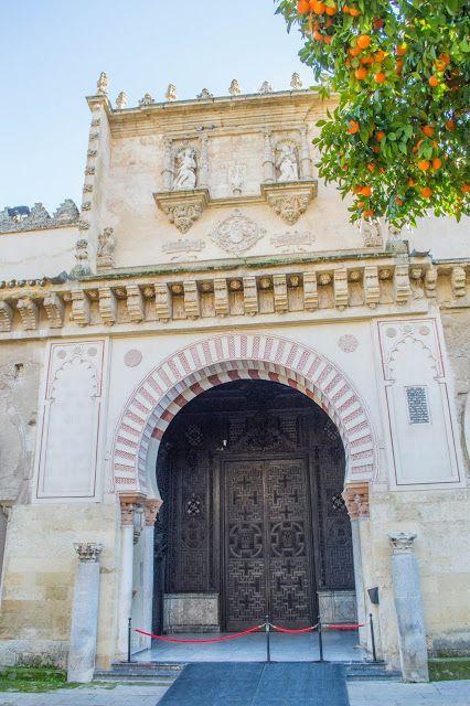 Mis Viajes por el Mundo: La Mezquita de Córdoba: Purta de Las Palmas, desde el Patio de Los Naranjos
