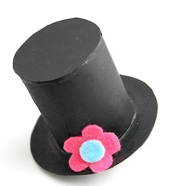 Frosty 39 s top hat made from toilet paper tube and a little for Tiny top hats for crafts