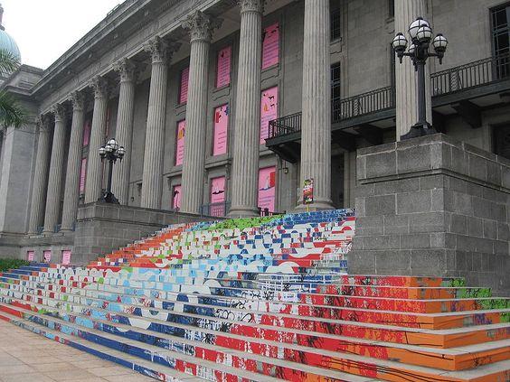 Tòa thị chính City Hall còn mang đến cho khách du lịch cảm giác hoàn toàn mới mẻ