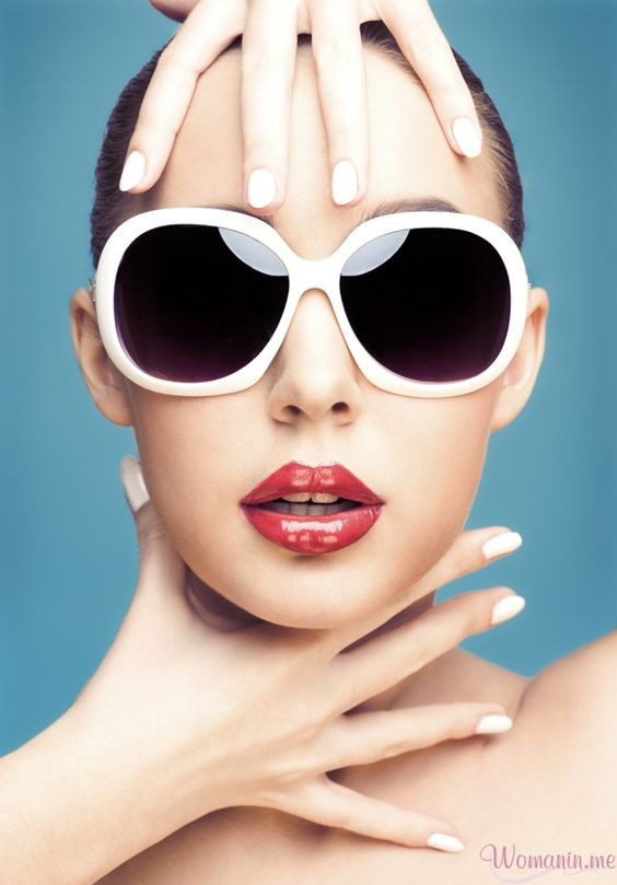 Tips to choose women glasses for oval face