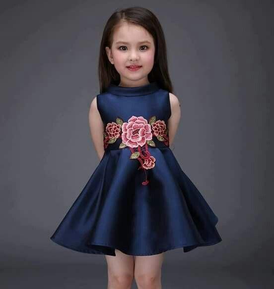 اجمل فساتين اطفال بنقشات الورود
