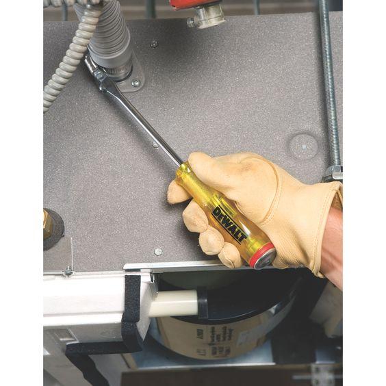 Desarmador con mango de acetato de celulosa probado a altas temperaturas y fuerte presión