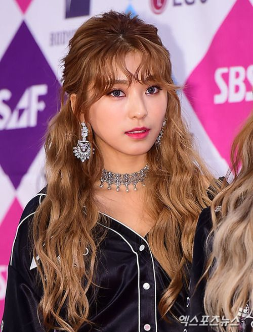Bangs Curls Of Yoon Bora Korean Curls Sistar Sistar Kpop