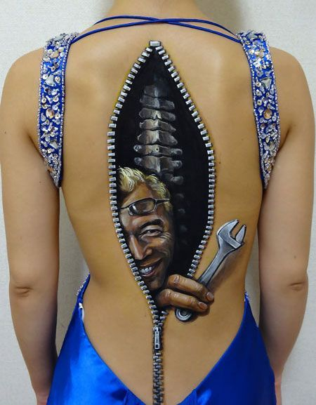 3D Illusion Art Body Paintings  by Hikaru Cho http://coolpile.com/gadgets-magazine/3d-illusion-art-body-paintings-hikaru-cho/ via @CoolPile.com