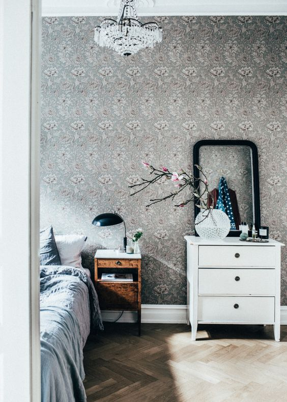 bedroom in Johanna Bradford's beautiful Gothenburg apartment, via http://www.scandinavianlovesong.com/