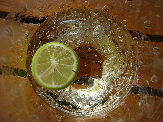 Limonade ist nicht gleich Limonade. Wir zeigen dir heute drei hausgemachte Limonaden, die nicht nur lecker, sondern auch gesund sind!