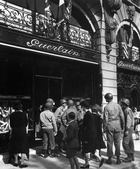 Guerlain shop at 68 Champs-Elysées