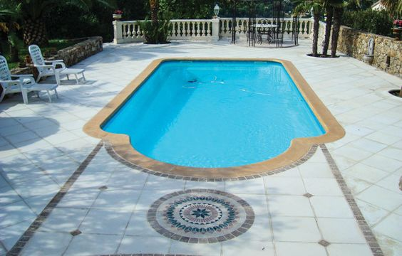 Piscine coque polyester - Piscine Malaga - SPA Piscines http://www.spapiscines.com/modele-piscine/modele-piscine-malaga