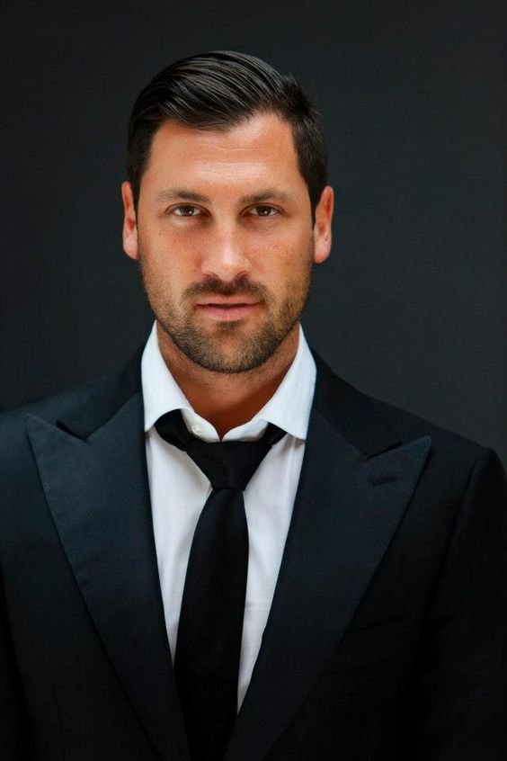 Of meeting Maksim Chmerkovskiy and having him show me just ONE dance step....anything would do. Oh, my.