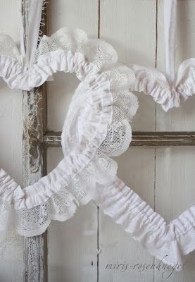 DIY Tutorial Lace Hearts Tutorial. White, Grey, Black, Chippy, Shabby Chic, Whitewashed, Cottage, French Country, Rustic, Swedish decor Idea. *** Repinned from    Natalia Babilon ***.