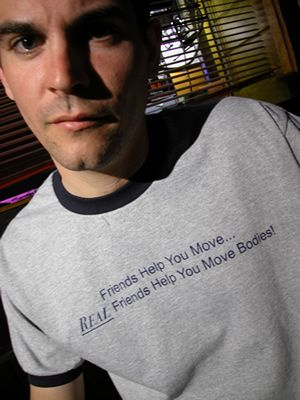 "T-shirt says, ""Friends help you move, real friends help you move bodies!"" @hannahleopold"