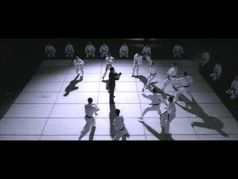 ▶ Ip Man vs ten Karatekas at once scene. - YouTube