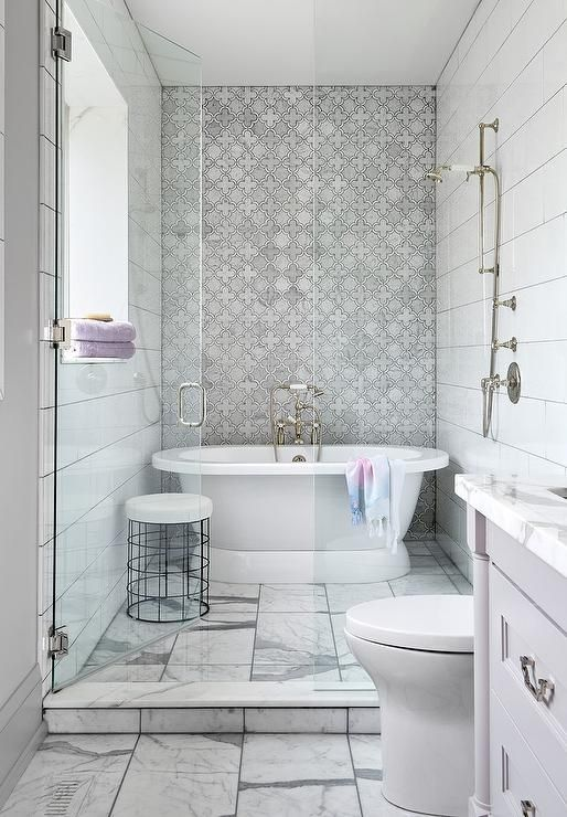 Small Walk In Shower Featuring A Freestanding Roll Top Bathtub With A Vintage Style Hand Held Shower Small Bathtub Diy Bathroom Remodel Bathroom Renovation Diy