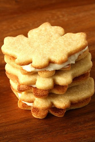 Stuffed Maple Sandwich Cookies. I'll have 3 please)   COOKIE MONSTER ...