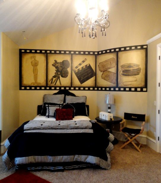 Movie themed bedroom angela painted this hollywood movie for Angela decoration