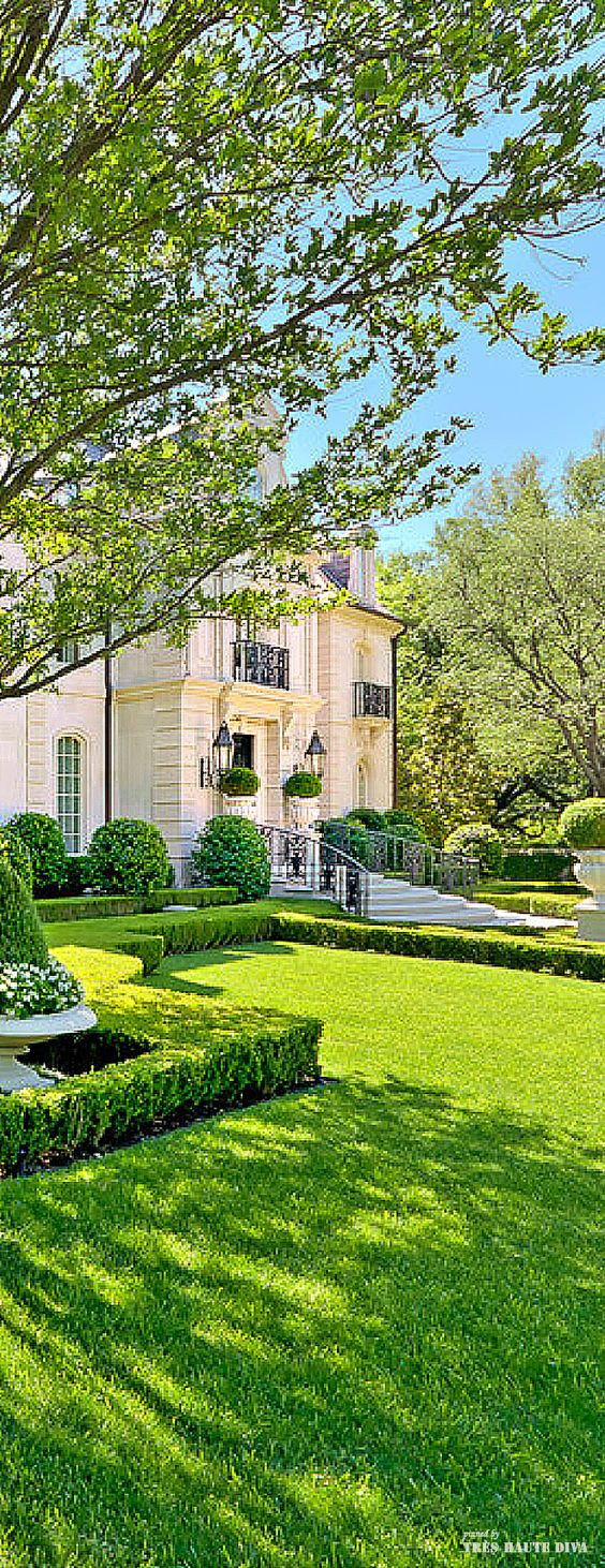 French chateau Chateaus and Formal gardens on Pinterest