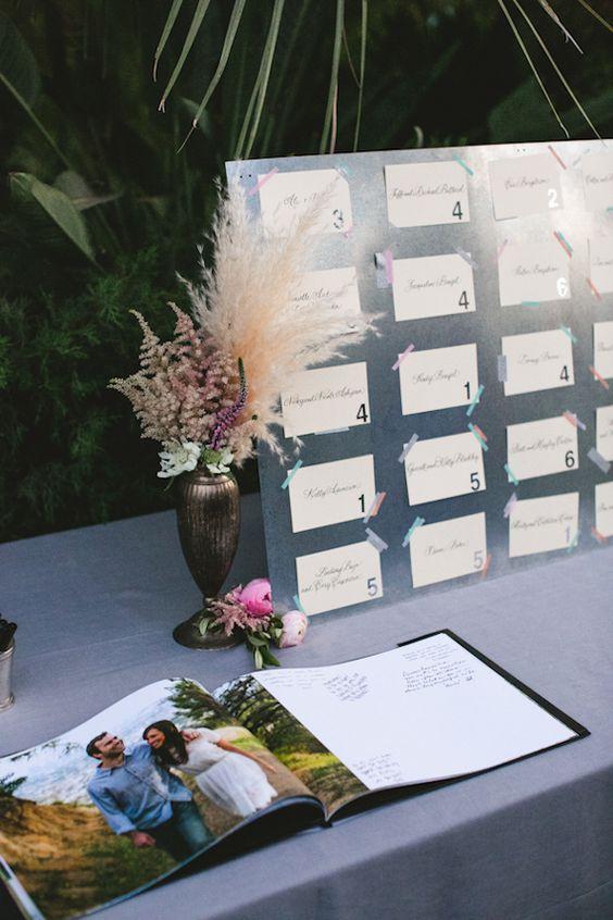 Casamento Parker Palm Springs | Projeto e planejamento Bash favor | Foto por Love EP | Leia mais - http://www.100layercake.com/blog/?p=68770