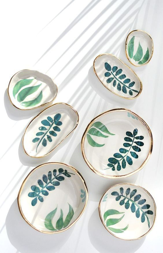 Hand Painted Ceramic Serving Dishes In Various Sizes With Leaf Motif And Gold Rim Pottery Painting Designs Handmade Ceramics Pottery