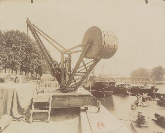 Port du Louvre (1e arr.) - Eugène ATGET (Entre 1900 et 1914)
