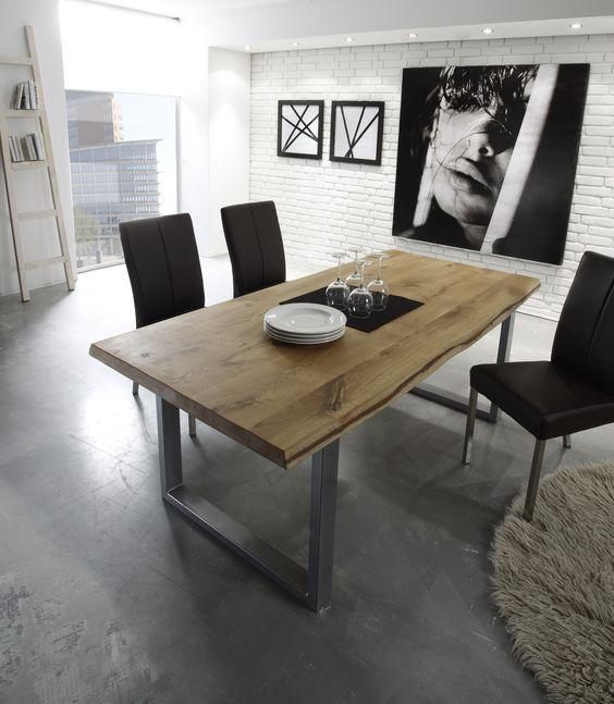 runder Esstisch modern braun mit zwei Stühlen