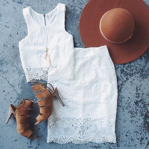 Image via We Heart It https://weheartit.com/entry/161591634/via/29793357 #fashion #girl #hat #outfit #skirt #summer #white #croptop