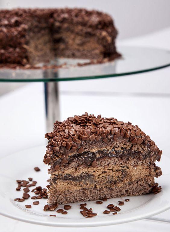 Aprenda a fazer o bolo de brigadeiro destaque da Madame Brigadeiro ...