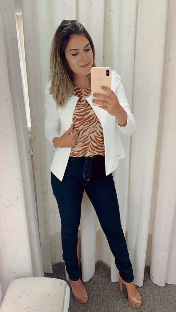 Look chique com calça jeans escura