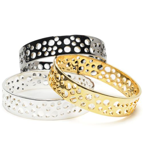 Tilla Bangle - Amrita Singh: just ordered the gold one from Hautelook. Com