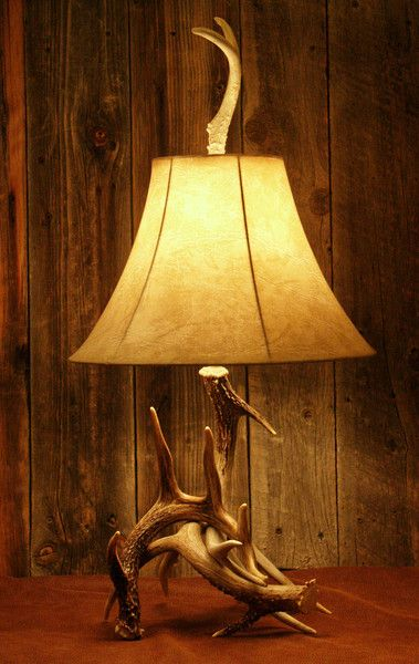 Deer antlers antlers and the western on pinterest for Western table lamps living room