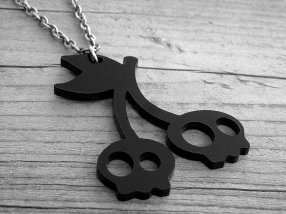 Cerise crânes collier crâne cerises Goth gothique Rockabilly Pin Up Tattoo cerise noire collier Bijoux cerise crâne collier Bijoux de crâne