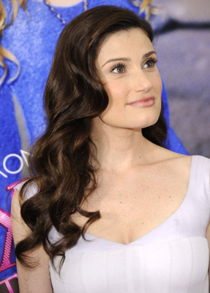 Idina Menzel...she looks so much like Lea Michele in this picture it's freaky. Glee was right on the money with that casting.