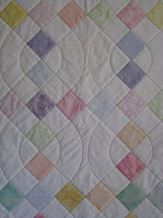 The curve in the quilting makes this quite different from the usual squares. Quilting ...