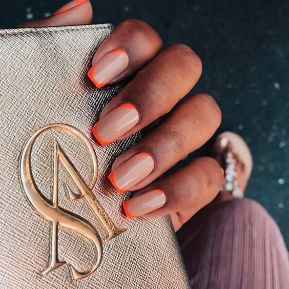 Where can we find cheap and beautiful nails? Korean girls love these 20 + nails designs, even at home can do it by themselves. The mix of orange and nude is amazing, although reasonably the color is not pale, but it's cool! Save this Korean DIY Nail Designs Autumn Orange Nude Candy Coffin Nails. #autumnnails #nailart #coffinnails #koreannails #Uña #đinh