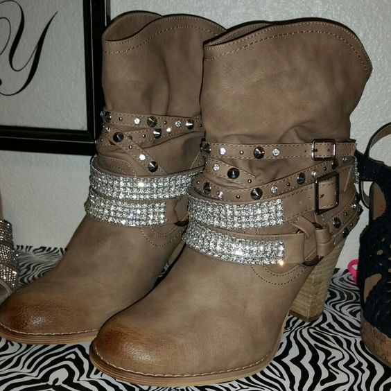I had to get my blind for winter. Love these boots.
