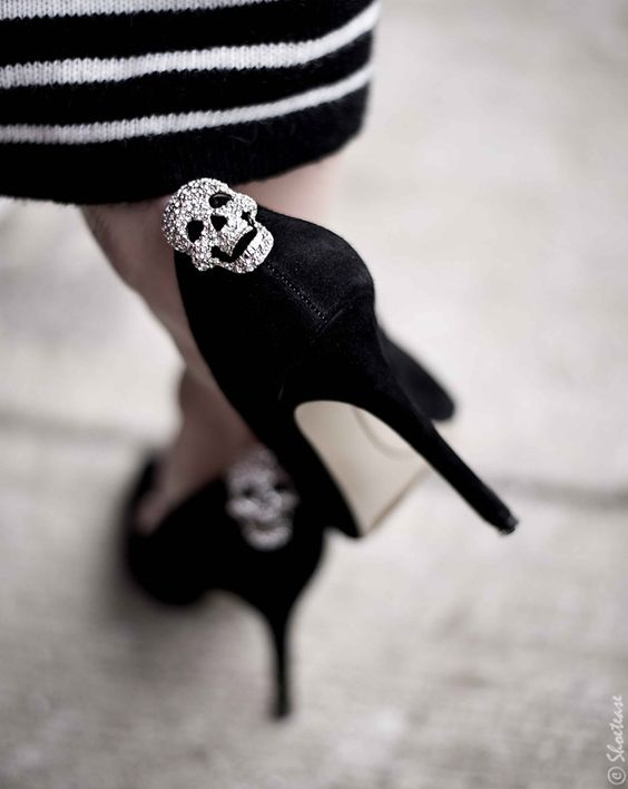 Toronto Street Style Fashion - Nine West Pointed Toe Black Suede Pumps, Shoelery Sparkly Skull Shoes Clips