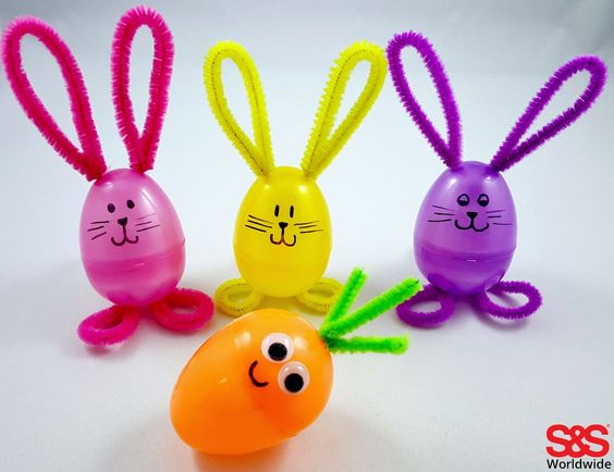 Our favorite DIY Easter crafts for kids - make bunnies out of plastic eggs, pom poms, paper plates, and more!: