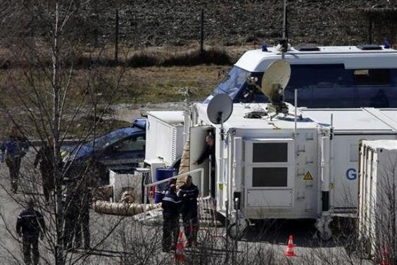 Inician La Tarea De Identificar Los Cadáveres Del Avión Siniestrado En Los Alpes
