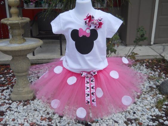 i loved minnie mouse! if only i had a little girl:) Minnie Mouse pink tutu set by JosieRosieBoutique on Etsy, $35.00